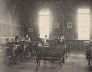 1895 classroom1